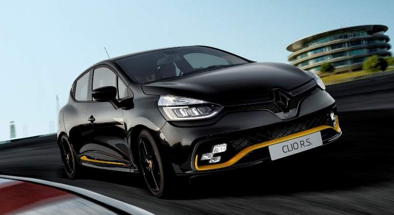 renault-clio-rs-18-2018-01.jpg