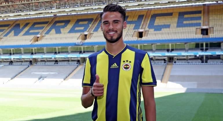 Diego-Reyes-llega-al-futbol-de-Turquia-Reuters.jpg
