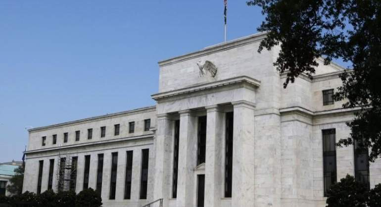 El mercado echa un pulso a la Fed: los inversores anticipan que EEUU no suba tipos, incluso que los baje este año
