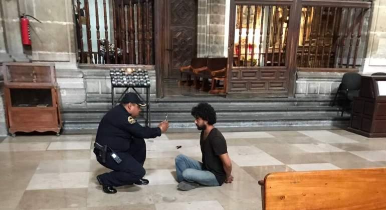 detenido-apunalo-sacerdote-770.jpg