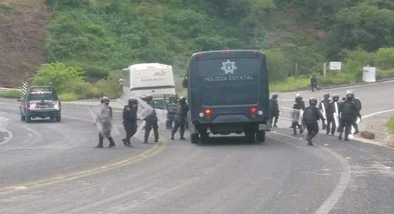normalistas-ayotzinapa-770-420-TW.jpg