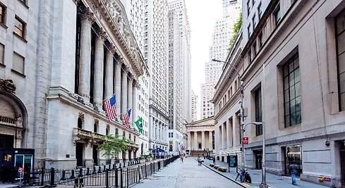 https://s04.s3c.es/imag/_v0/770x420/0/f/d/490x_wall-street-calle-nueva-york-bolsa-getty-770x420.jpg