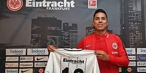 Salcedo, presentado con el Eintracht de Marco Fabián
