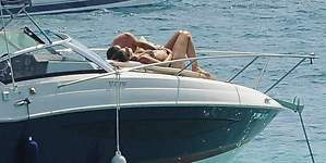 Rudy Fernández y Helen Lindes, amor y mimos en el mar