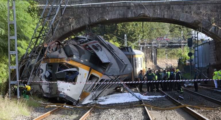 tren-descarrilamiento-porrino-12-efe.jpg
