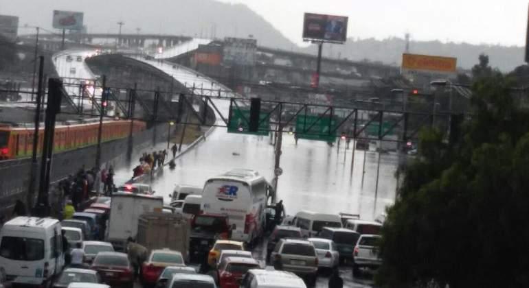 Intensa lluvia deja inundaciones y casos en la Ciudad de México
