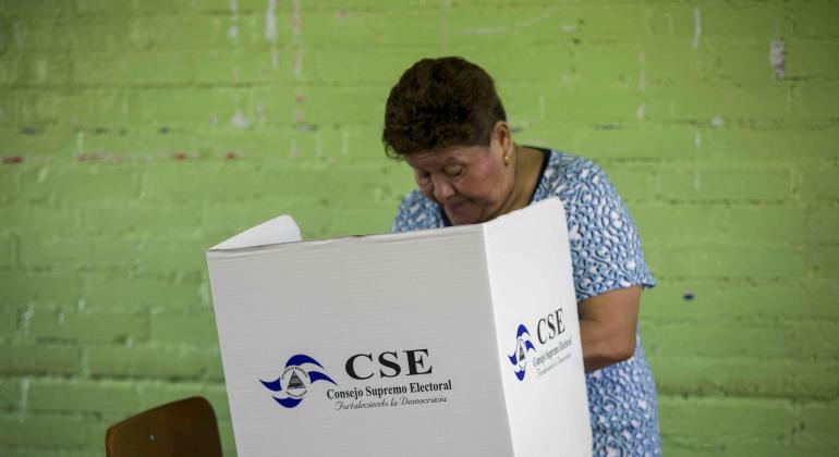 Abren los colegios electorales en Nicaragua