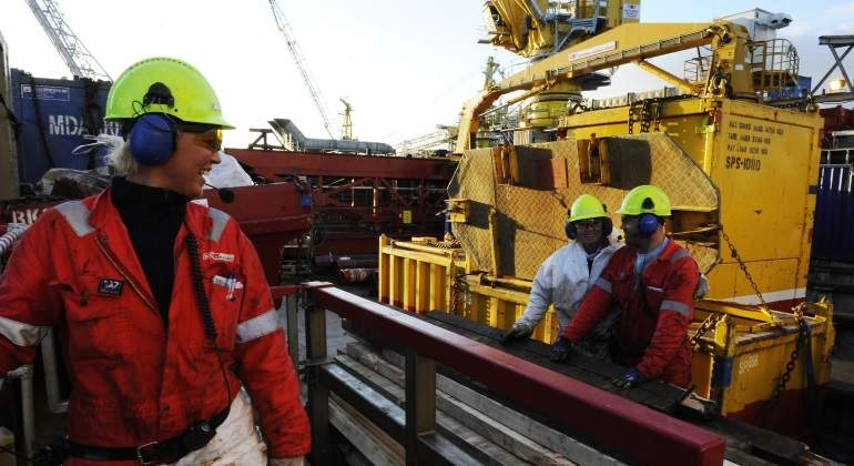 trabajadora-petroleo-noruega.jpg