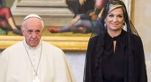 ¿Por qué Máxima de Holanda viste de negro ante el Papa?