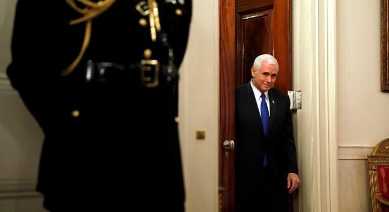 Vicepresidente Mike Pence usó email privado para asuntos oficiales