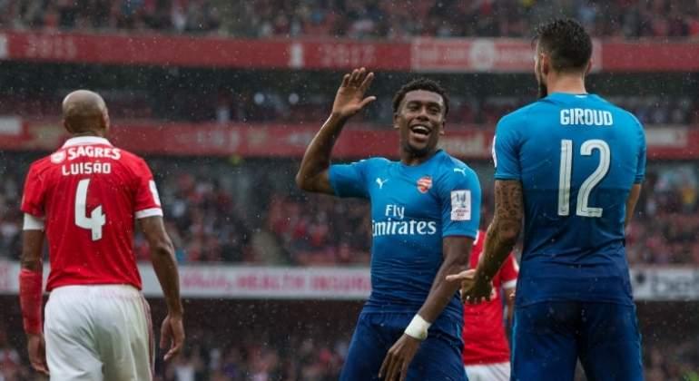 Arsenal no extraña a Alexis Sánchez y aplasta a Benfica
