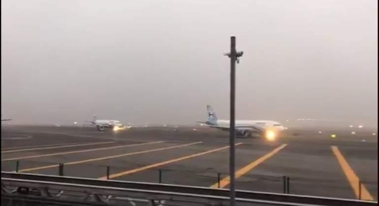 AICM reanuda aterrizajes tras dos horas de suspensión