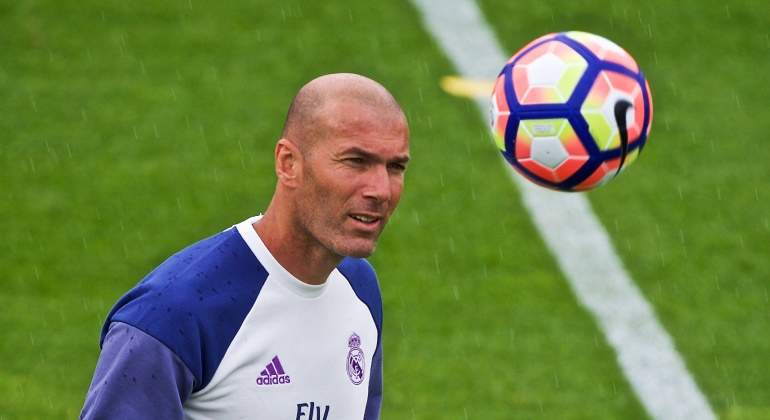 Zidane-entreno-2016-pretemporada-efe.jpg