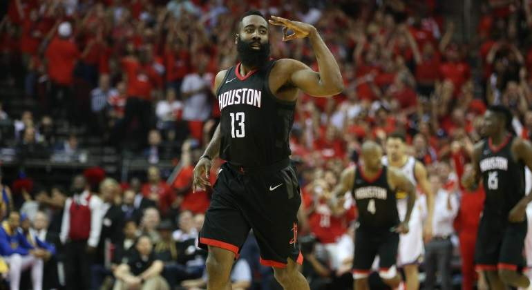 harden-celebra-warriors-finaloeste-usatoday.jpg