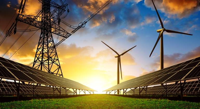 energia-renovables-electrica-solar-paneles-molinos-eolica-istock.jpg