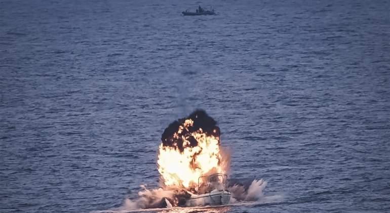 El buque Castilla neutraliza un ballenero pirata en Somalia