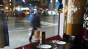 restaurante-vacio-noche-reuters.jpg