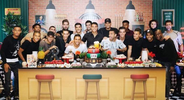 Thiago-Silva-Fiesta-Cumple-Neymar-Sin-Cavani.jpg