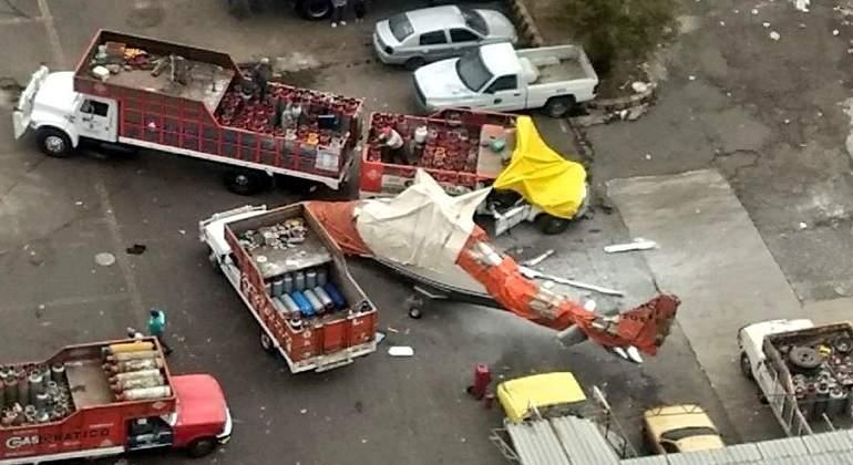 Cae helicóptero en gasera de Tlalnepantla; hay 3 heridos