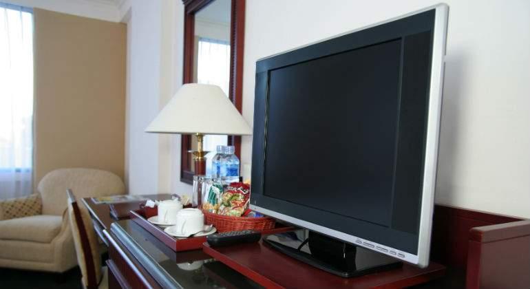 El hotel está exento de pagar un canon por las televisiones de las habitaciones