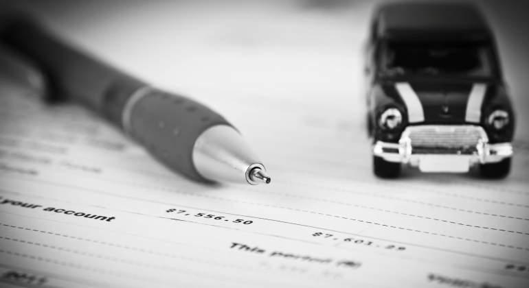 comprar-coche-prestamo-credito-contrato-concesionario-getty.jpg