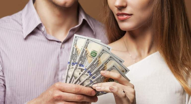 pareja-dinero-istock-770.jpg
