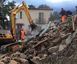 /imag/_v0/770x420/1/b/7/terremoto-italia-2016-8-reuters.jpg - 300x250