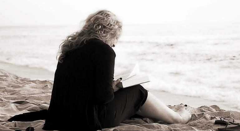 mujer-leyendo-libro-770x420-pixabay.jpg
