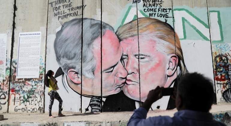 graffiti-reuters.jpg
