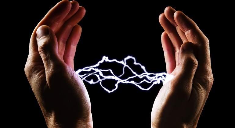 Electricidad-entre-manos.jpg