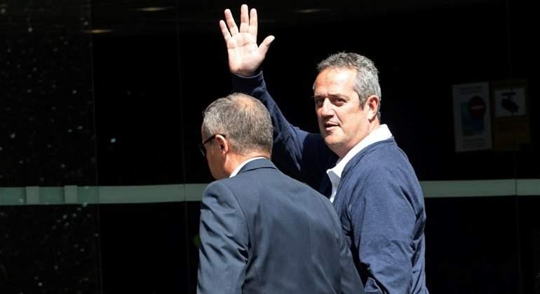 0b9447392b0 Forn acude al Ayuntamiento de Barcelona para recoger el acta de concejal