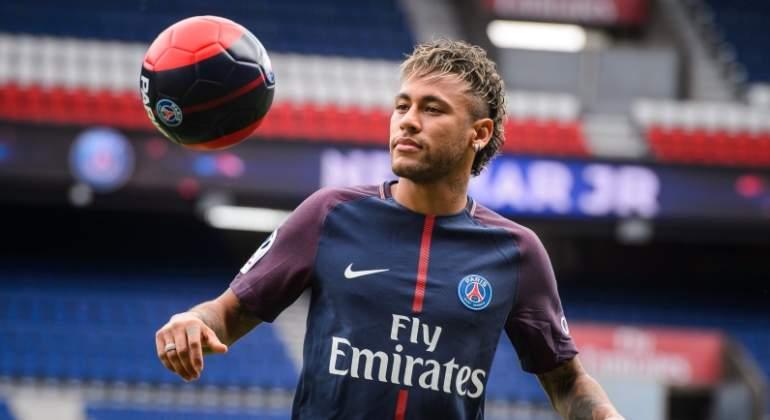neymar-2017-psg-balon-efe.jpg