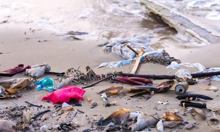 Resultado de imagen de fotos de basura en la costa vasca