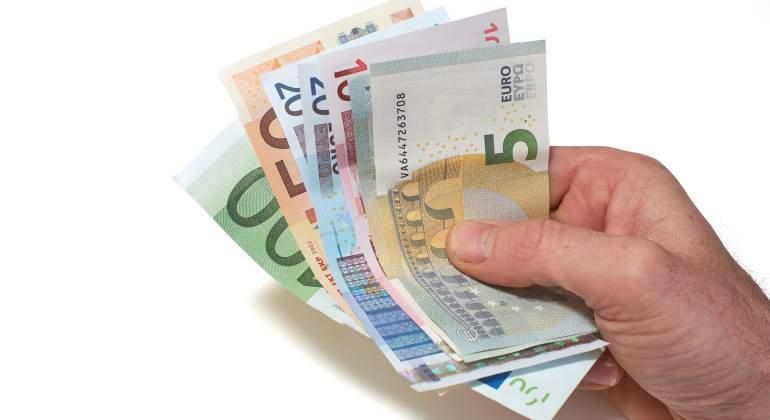 billetes-euro-mano.jpg