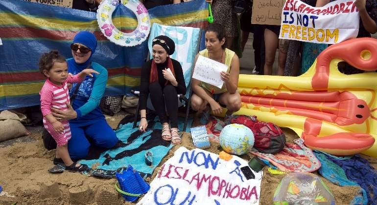 Bruselas dice no tener competencias para regular el uso del burkini