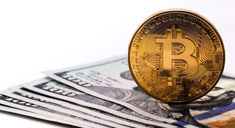 bitcoin-dolares-dreamstime.jpg
