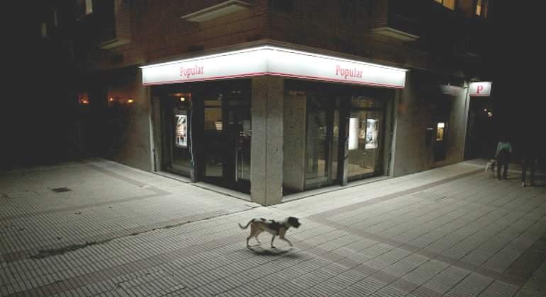 banco-popular-perro.jpg