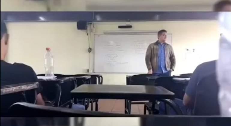 Graban a profesor de UdeG haciendo comentarios misóginos