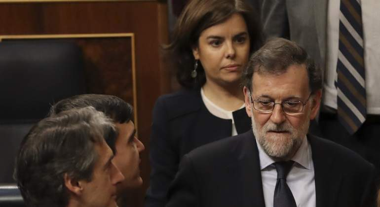 rajoy-soraya-preocupados.jpg