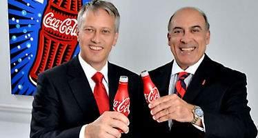 Muhtar Kent abandona el máximo puesto ejecutivo de Coca-Cola, le sustituirá James Quincey