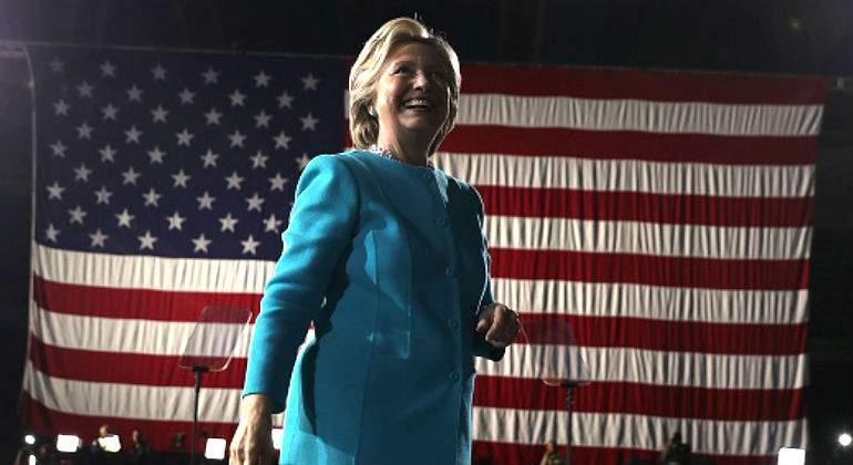 hillary-clinton-bandera.jpg