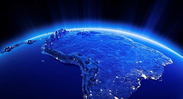 espacio-latinoamerica-america-latina-noche.jpg