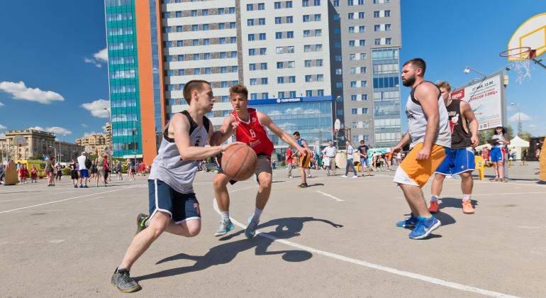 baloncesto-jovenes-770-dreamstime.jpg