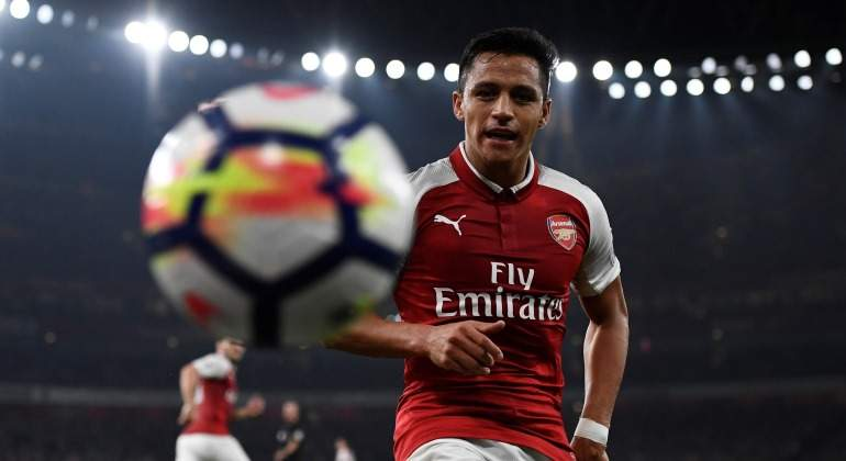 Alexis-balon-2017-Arsenal-Reuters.jpg