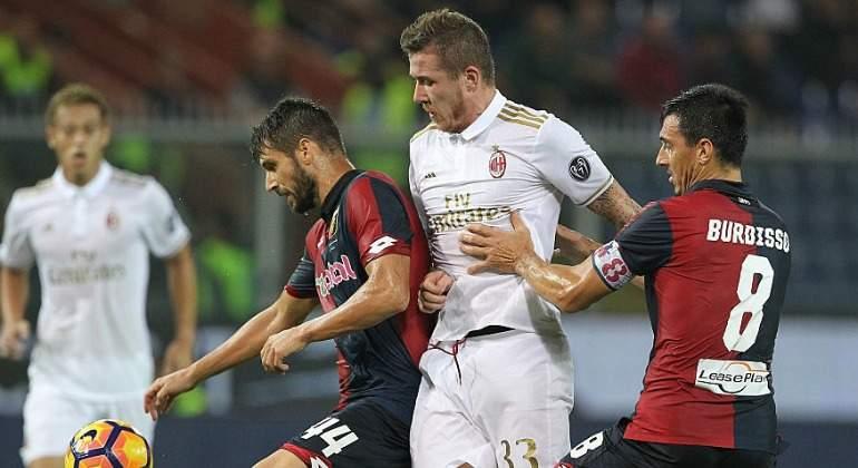 El Milan despierta de su sueño en Génova