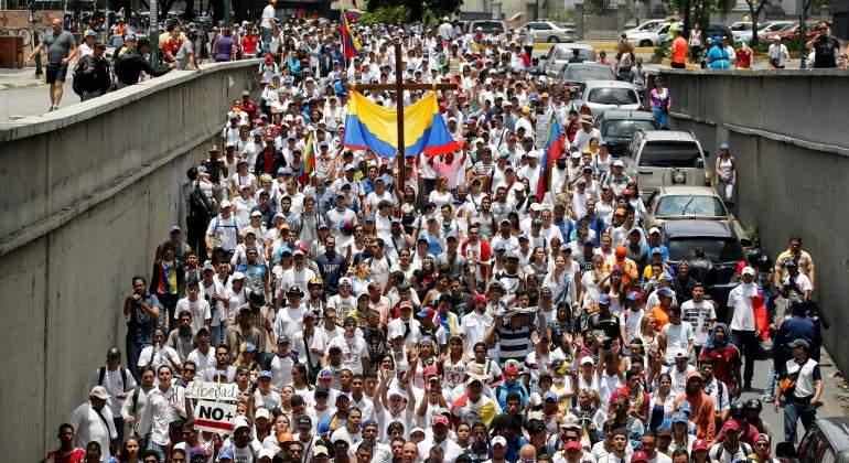 Oposición venezolana reta a Maduro con una nueva marcha