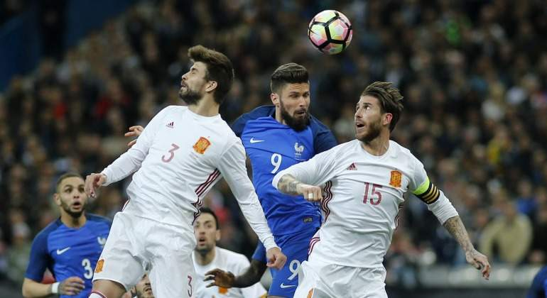 La Federación, indignada con Piqué por usar la selección para atacar al Real Madrid