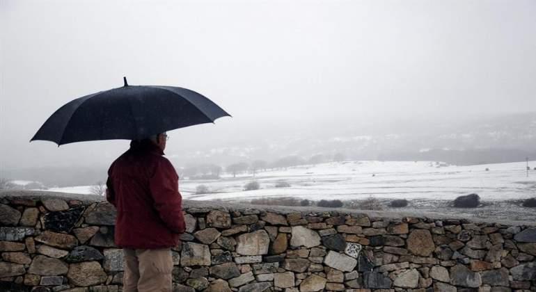 lluvia-hombre-paraguas-770x420-efe.jpg