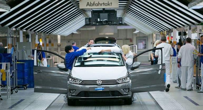 Volkswagen-fabrica-Golf.jpg