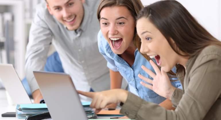 empleados-felices-dreamstime.jpg
